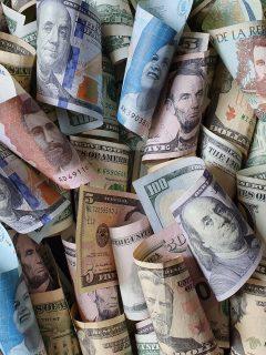 Precio del dólar en Colombia hoy 3 de mayo se subió luego de la renuncia de Alberto Carrasquilla.