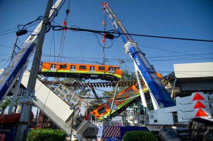 Foto del metro de Ciudad de México, cuya plataforma de la línea 12 se desplomó