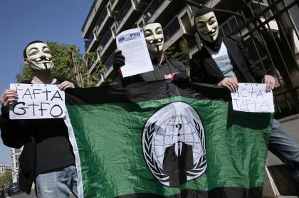 Máscaras de Guy Fawkes son distintivas del grupo de ciberactivismo Anonymous.
