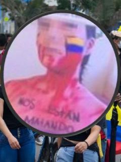 Modelos webcam colombianas se unen activamente al paro nacional y reparten ayudas a manifestantes durante paro nacional.