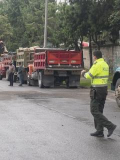 Volqueteros de Bogotá y Cundinamarca mantenías bloqueados algunos de los accesos a la capital.
