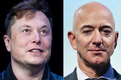 Elon Musk (i) y Jeff Bezos, magnates que compiten por colonizar el espacio.