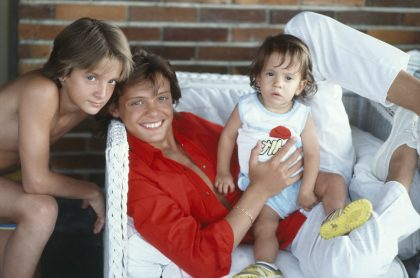 Luis Miguel y sus hermanos Alejandro y Sergio, en Italia, 1985.