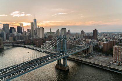 Ciudad de Nueva York, la cual busca atraer turistas al ofrecer gratis la vacuna contra el covid-19