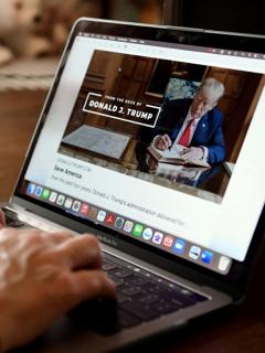 Twitter elimina cuentas que defienden a Donald Trump
