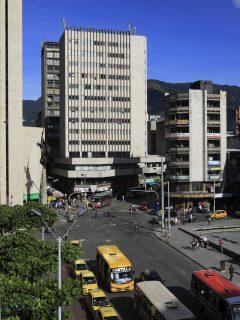 Foto de Medellín ilustra nota sobre pico y cédula en Medellín este fin de semana: cómo funciona la medida y más