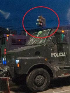 La nueva arma 'venom' del Esmad va montada en lo alto de sus tanquetas.