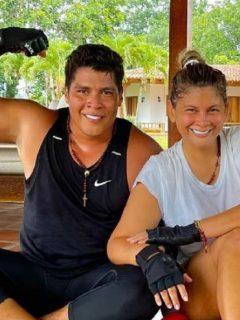 'Rafa Pérez', cantante de Vallenato, recibió la vacuna contra el coronavirus junto a su esposa sin ser prioritarios.