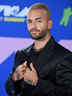 Maluma a su llegada a los MTV Video Music Awards 2020, menos de un año antes de recibir críticas por sus mensajes en medio del paro nacional de Colomiba.