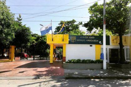 Universidad Sergio Arboleda de Santa Marta, que echó a profesor que regañó a alumna con insultos