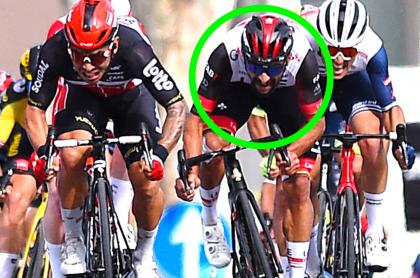 """""""Fernando Gaviria no tiene piernas"""": Víctor Hugo Peña pide que embale Molano. Esprint de la etapa 5 del Giro."""