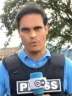 Video de ciudadanos del barrio Siloé, en Cali, pidiéndole a periodista extranjero que no se vaya para que la Policía no les dispare.