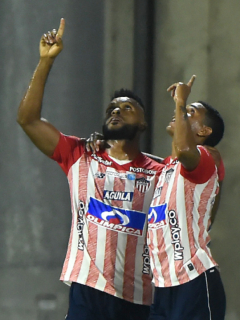 Imagen del Junior que ilustra nota; ¿Los Charobligaron a alcalde de Barranquilla a hacer juego de Junior?