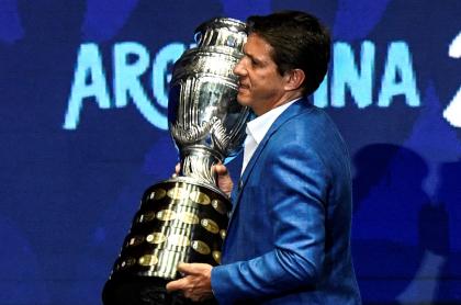 Copa América se haría en Chile, le quitarían sede a Colombia: Hernández Bonnet. Imagen del trofeo del certamen.