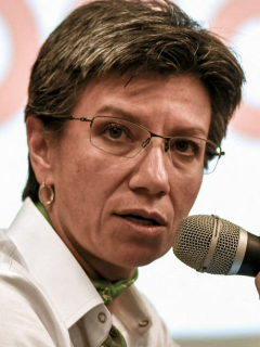 Claudia López ilustra nota sobre respuesta que le dio la Defensoría del Pueblo sobre desaparecidos