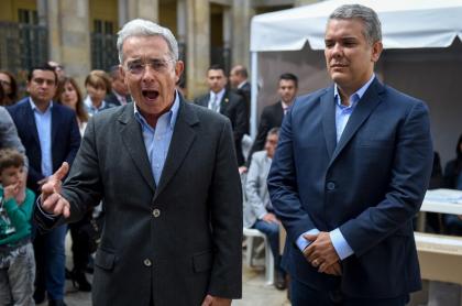 Iván Duque con Álvaro Uribe, en época electoral.