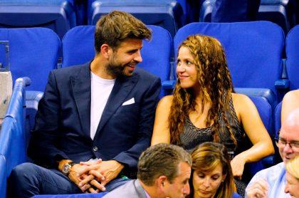Foto de Gerard Piqué y Shakira ilustra nota sobre los carros del jugador del Barcelona