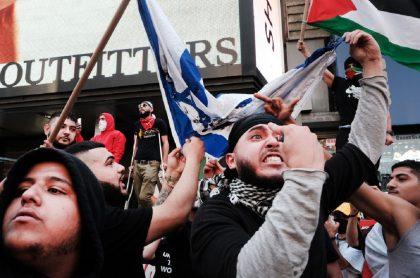 Imagen de protestas por Israel y Palestina; protestas en Nueva York dejaron una mujer herida