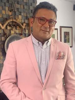 Foto de Frank Solano y Manuel José, a propósito de que el presentador llamó pelafustán al cantante