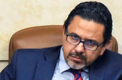 Miguel Ceballos, alto comisionado de paz, se sentía incomodo con Álvaro Uribe. Foto de Miguel Ceballos.