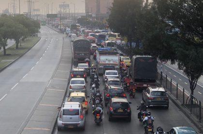 Autopista Sur de Bogotá, que está bloqueada y por eso el Terminal del Sur en Bogotá suspende servicios