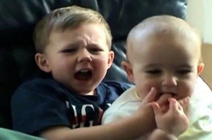 Videoviral del 2007 'Charlie bit my finger' fue vendido por 760.000 dólares