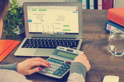 Impuesto-del-4-x-1.000-bancos-cobros-economía