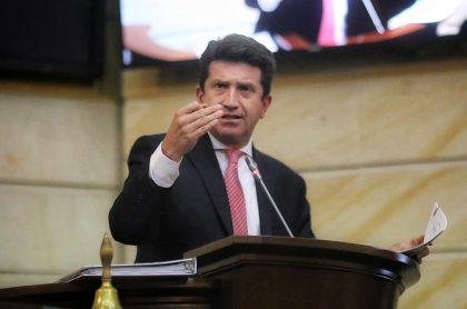 Diego Molano respondió por denuncias de abuso de la Policía en moción de censura