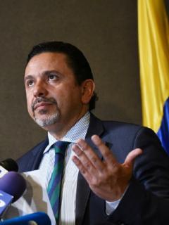Miguel Ceballos,excomisionadode Paz, se lanzó a la presidencia