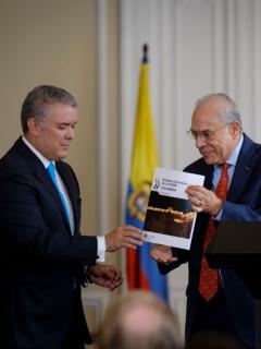 Iván Duque y José Angel Gurría, ilustra nota de Duque agradece a secretario general de OCDE por aplacar debates violentos