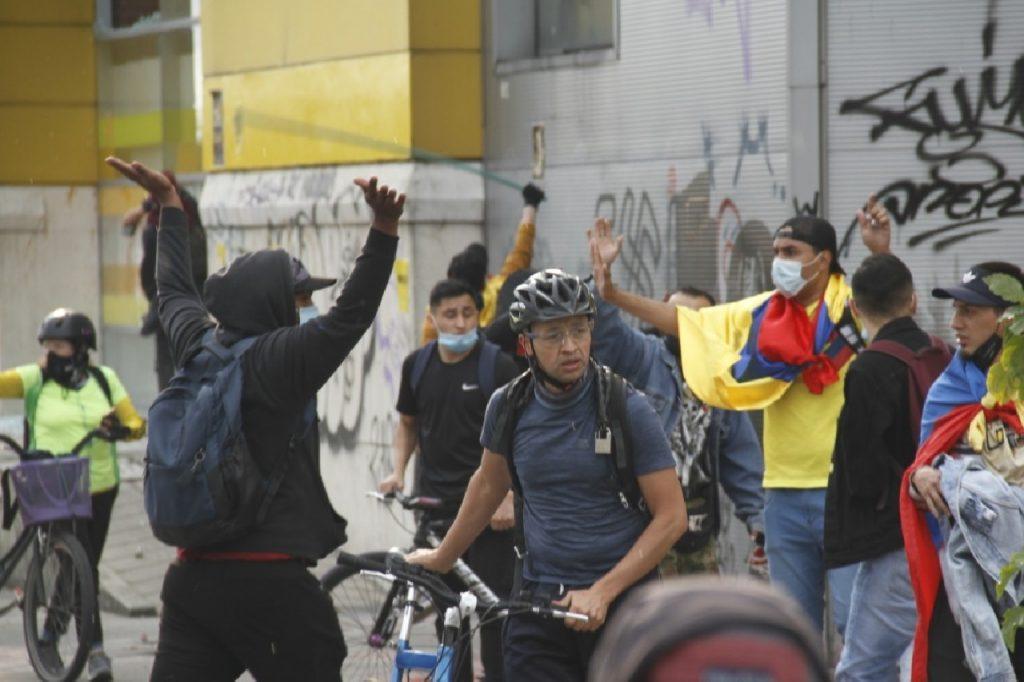 Éxito vandalizado en Bogotá / Pulzo - Julián Castañeda.