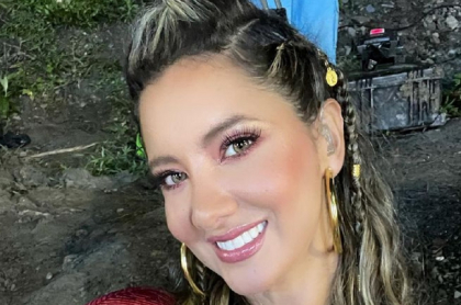 Daniella Álvarez, presentadora que confirmó que estará en próximo video de Mr. Black.