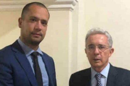 El abogado Diego Cadena y el exsenador Álvaro Uribe.