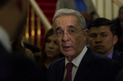 Álvaro Uribe Vélez dijo que todavía se necesita una reforma tributaria.