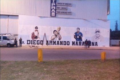 Mural de Diego Maradona que fue borrado para poner nombre de candidata política en Argentina