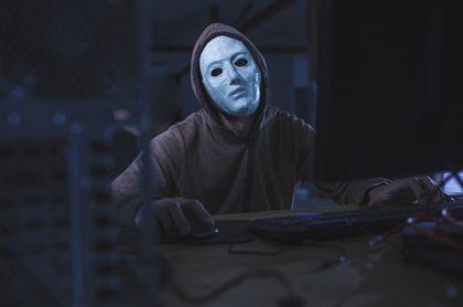 Anonymous hackea datos del mindefensa Diego Molano