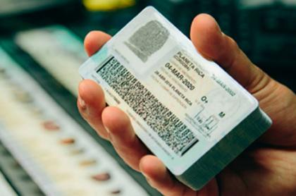 Cédula colombiana ilustra nota sobre explicación de números extraños habilitados para votar en elecciones de 2022