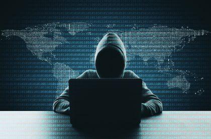 Imagen ilustartiva de un hacker, a propósito de diferencias con Anonymous y los crackers