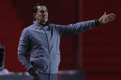 Alexandre Guimaraes sale de Atlético Nacional