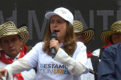 Paloma Valencia, senadora colombiana que denunció amenazas contra su hija.
