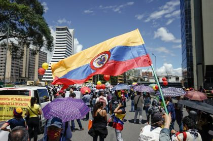 """Foto tomada el 2 de junio durante las jornadas de protesta, en el paro nacional, en Bogotá. Ilustra nota sobre casos de """"paramilitarismo urbano contra la protesta"""" denunciados ante la CPI."""