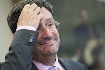 Francisco Santos, embajador de Colombia en Washington, presentó renuncia a su cargo