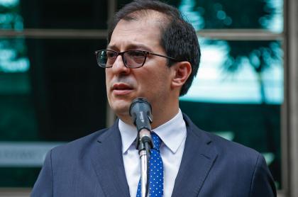 Fiscal general, Francisco Barbosa, ilustra nota sobre que civiles armados podrían ser señalados de terrorismo