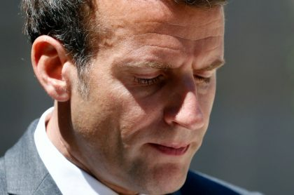 Presidente de Francia, Emmanuel Macron, quien habla de la cachetada que le pegaron