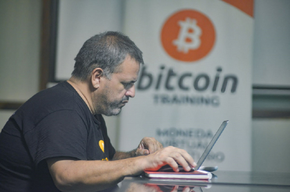 El bitcóin ahora es moneda de intercambio legal en El Salvador.