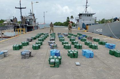 Incautación de 4.479 kilos de cocaína en lanchas, en San Andrés