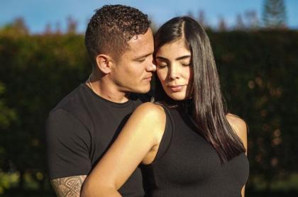Javier Reina; jugador de Independiente Medellín; y Andreina Fiallo, exesposa de Fredy Guarín, quien está embarazada.
