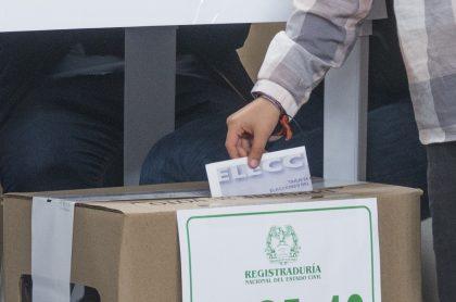 Imagen de votación que ilustra nota; en Bogotá, menores de edad podrán lanzarse a la política y votar