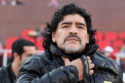Diego Maradona dirigiendo partido de Al-Wasl en 2012 ilustra nota sobre quiénes son los acusados por su muerte que citó la Fiscalía de Argentina.