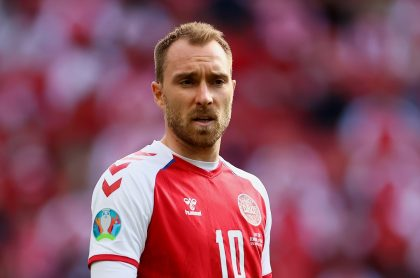El padre de Christian Eriksen confirmó que está despierto y puede hablar luego de desplomarse en juego Dinamarca vs. Finlandia por la Eurocopa 2021.